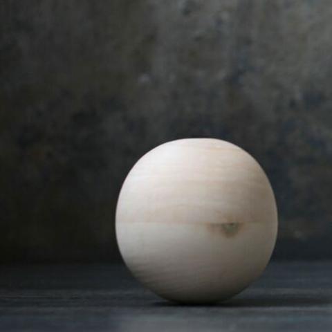 Puidust helisev pall